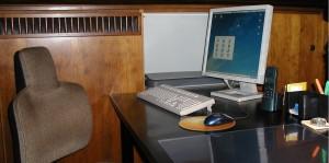 Für die meisten Kollegen geht es nach dem Unterricht am heimischen Schreibtisch weiter. Foto: Nico Kaiser / flickr (CC BY-SA 2.0)
