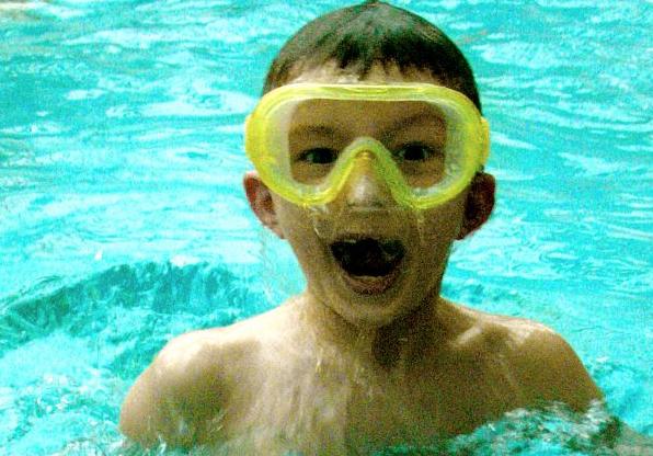 Schwimmunterricht macht Spaß - den Kindern jedenfalls. Foto: Martin Terber / flickr (CC BY 2.0)