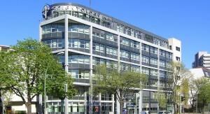 Botschaften in die Kinderzimmer? Das Scientology-Zentrum in Berlin. Foto: Times / Wikimedia Commons  (CC-BY-SA-2.5-2.0-1.0)