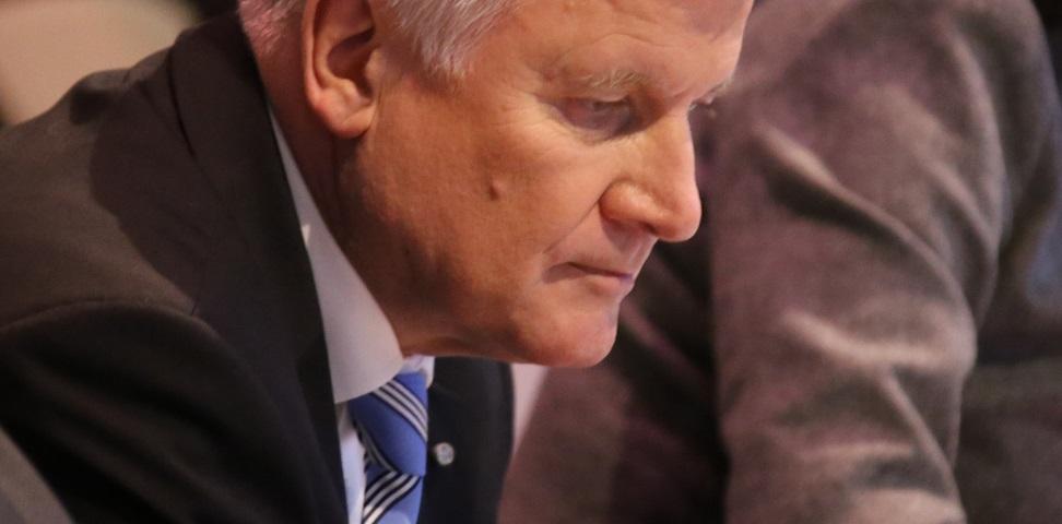 Details zu G9 überlässt er seinem Kultusminister: Ministerpräsident Horst Seehofer. Archivfoto: blu-news.org / flickr (CC BY-SA 2.0)