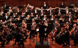 Ein Sinfonieorchester - Schüler lassen sich auch für klassische Musik begeistern, aber stimmen die Rahmenbedingungen an den Schulen? Foto: MITO SettembreMusica / flickr (CC BY 2.0)