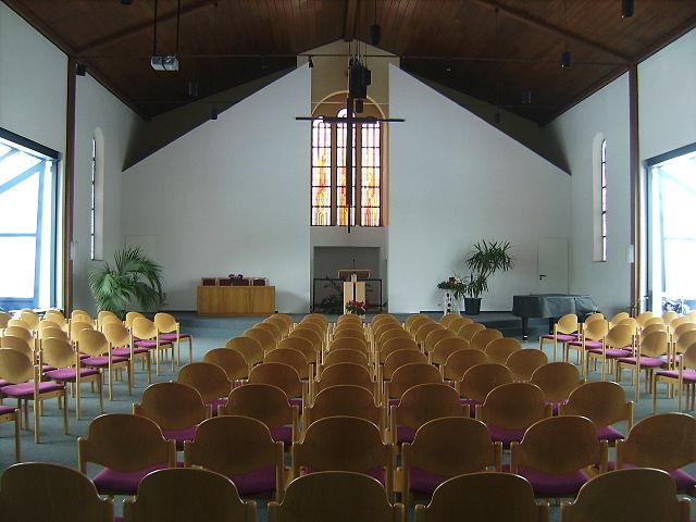 Die Schulpflicht kann die Religionsfreiheit einschränken: Kirche der Baptisten in Mainz. Foto: Sokkok, Wikimedia Commons (CC BY-SA 3.0)