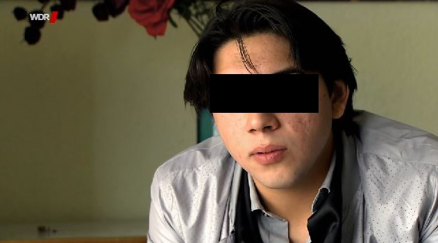 """Der 19-jährige Nenad will das Land Nordrhein-Westfalen verklagen. Screenshot aus der WDR-Reportage """"Für dumm erklärt""""."""