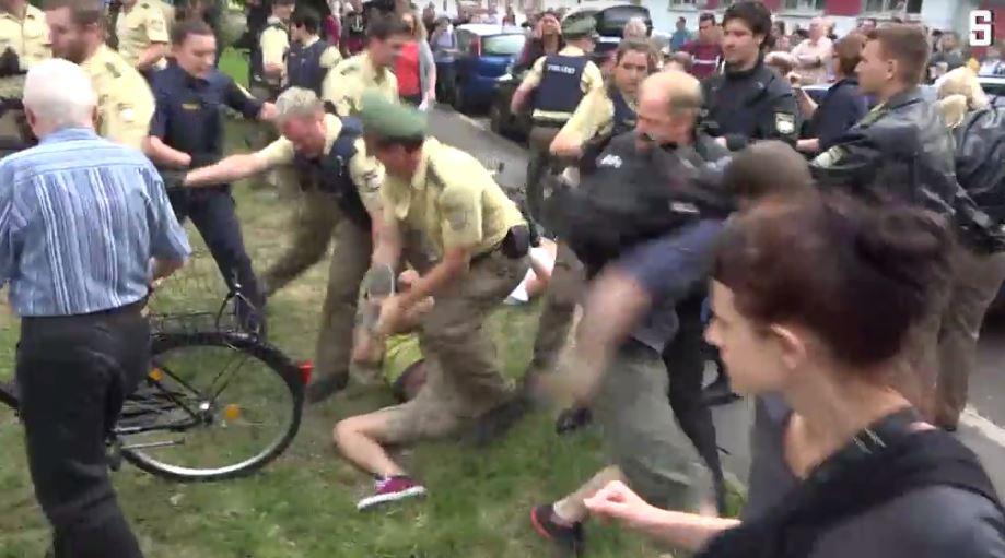 Spiegel-online hat ein Video von der Polizei-Aktion in Nürnberg veröffentlicht. Hier geht es zu dem Beitrag. (Foto: Sceenshot)