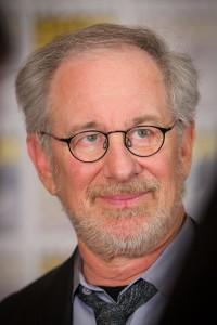 Ein herausragender Regisseur, der offenbar in Genuss eines nur mittelwertigen Geschichtsunterrichts kam: Steven Spielberg. Foto: Gerald Geronimo (CC BY 2.0)