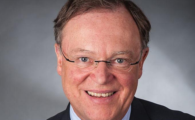 """Ach Quatsch"": Niedersachsens Ministerpräsident Stephan Weil. Foto Karsten Mosebach, Gymnasium-Melle (Foto-AG) / Wikimedia Commons (CC-BY-SA-3.0)"