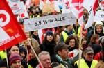 """15 000 Lehrer und Landesbedienstete demonstrieren in Hamburg – """"Steuereinnahmen sind hoch"""""""