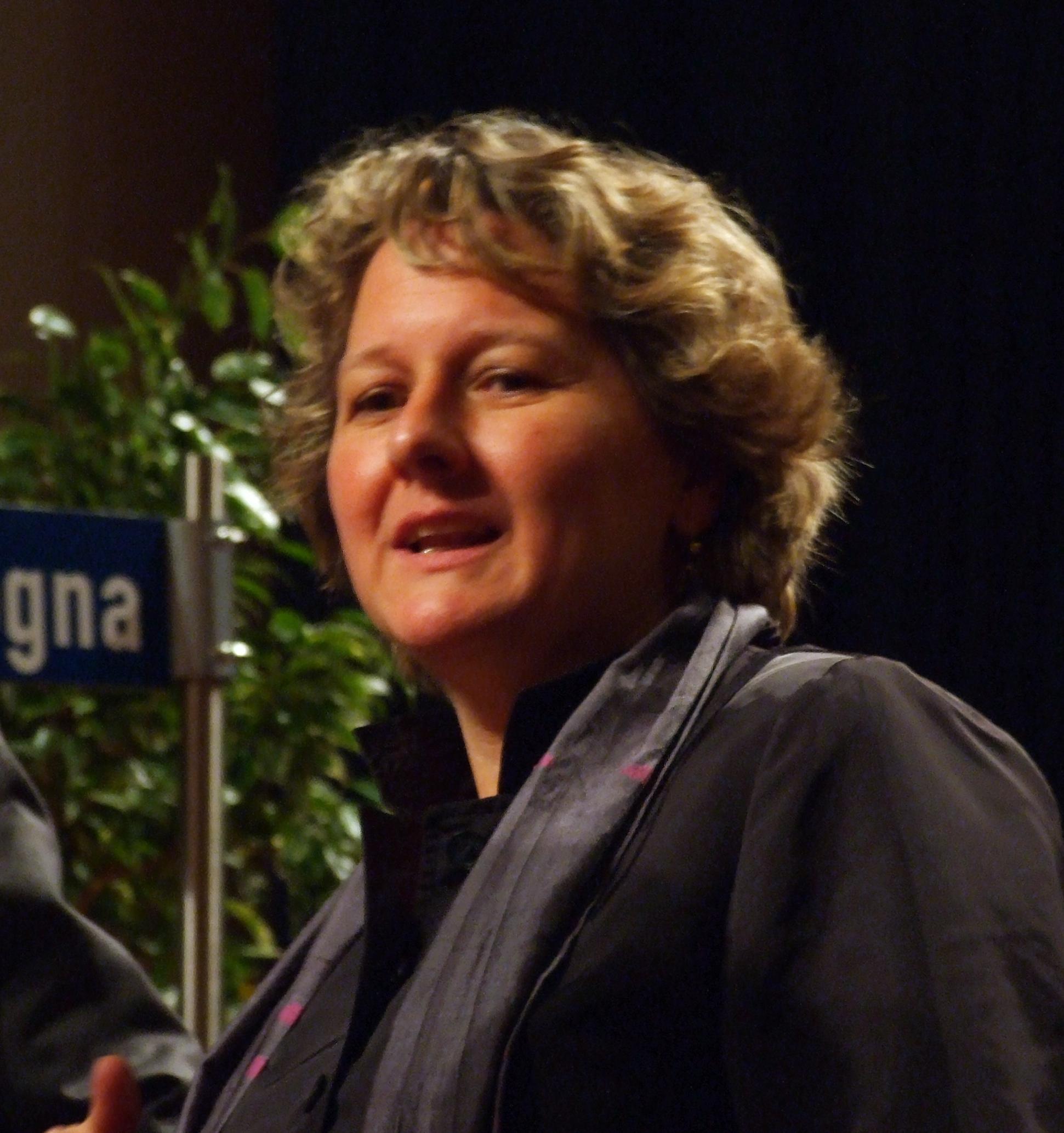 NRW-Wissenschaftsministerin Svenja Schulze zeigt sich optimistisch, dass es genügend Studienplätze für den Doppeljahrgang gibt. (Foto: Euku/Wikimedia CC BY-SA 3.0)