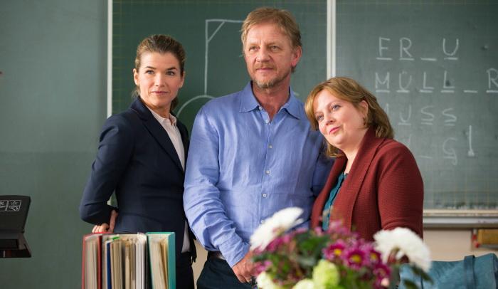 Sönke Wortmann mit seinen hauptdarstellerinnen Anke Engelke und Gabriele Maria Schmeide. (Foto: Constantin Film)