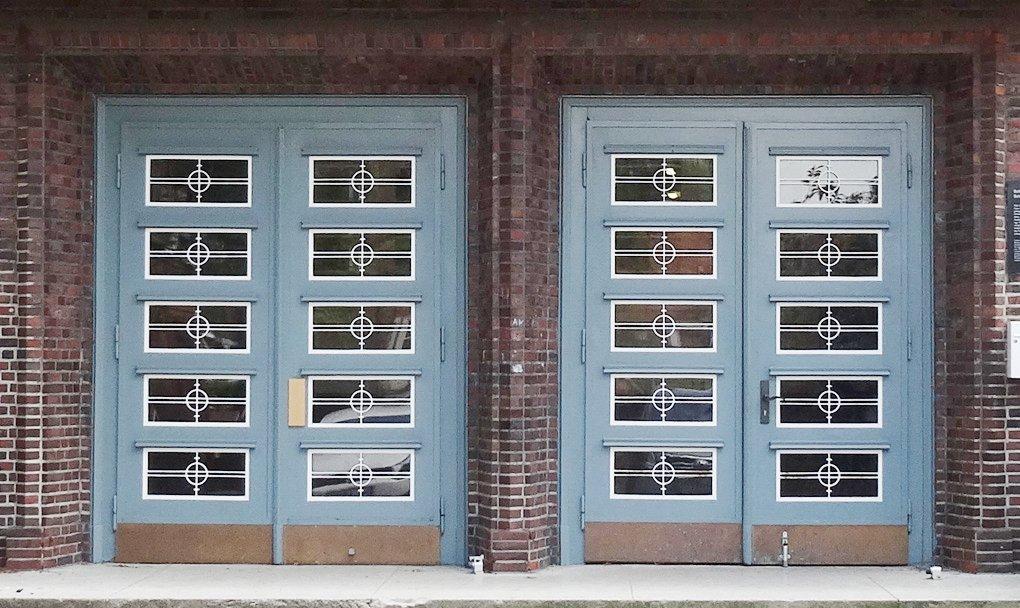 Auch den AfD-Abgeordneten dürfen die Schultüren nicht verschlossen bleiben. Foto: Godewind/Wikimedia Commons (CC BY-SA 3.0)