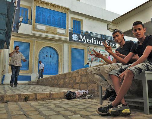 Junge Tunesier setzen ihre Hoffnung auf ein Studium in Deutschland - oft vergeblich. Foto: Skinny / flickr (Public Domain Mark 1.0)