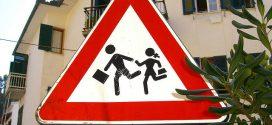 """Ärgernis """"Elterntaxis"""" – Stadt Kaiserslautern versucht jetzt, die Eltern zu erziehen"""