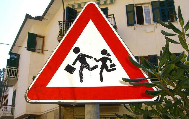 """Wieder tägliches Chaos zum Schulstart: Lassen sich """"Elterntaxis"""" stoppen?"""