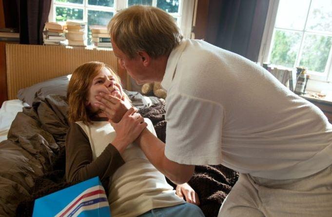 """Ulrich Tukur spielt die Hauptrolle in dem Drama """"Die Auserwählten"""". Foto: WDR, Katrin Denkewitz"""