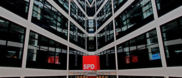 Die Parteizentrale der SPD, das Willy-Brandt-Haus in Berlin. Foto: Chris Grabert / flickr (CC BY-SA 2.0)