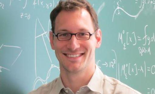 """Grunde ist Mathematik ähnlich wie die Rätselseiten in Magazinen"""", meint Benedikt Wirth. Foto: privat"""