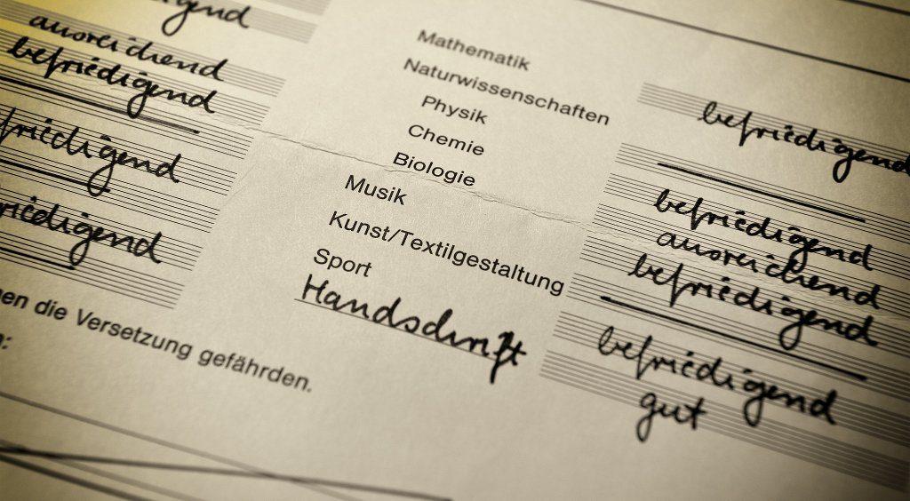 Notenzeugnisse erhalten rheinland-pfälzische Schüler derzeit frühestens ab der dritten Klasse. Dirk Vorderstraße / flickr (CC BY 2.0)