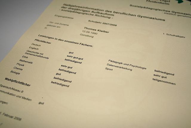 Kein Unterricht - keine Noten. Auf den Zeugnissen klaffen Lücken. Foto: Thomas Klaiber / Flickr (CC BY-SA 2.0)