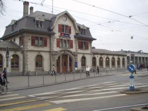 Im Bahnhof Zürich Oerlikon wurde der 69-Jährige festgenommen. Foto: S. Hinni / Wikimedia Commons (CC BY-SA 3.0)