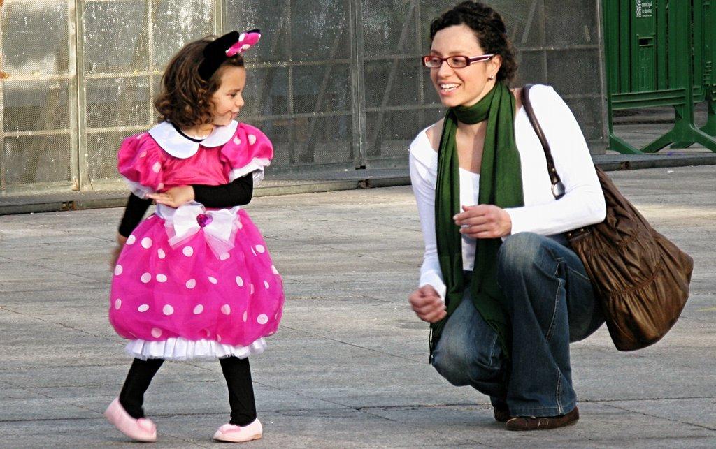 Beruf und Erziehung unter einen Hut zu bekommen ist für Alleinerziehende eine äußerst schwierige Angelegenheit. Doch es scheint sich zu lohnen. Foto epSos.de / Wikimedia Commons (CC BY 2.0)