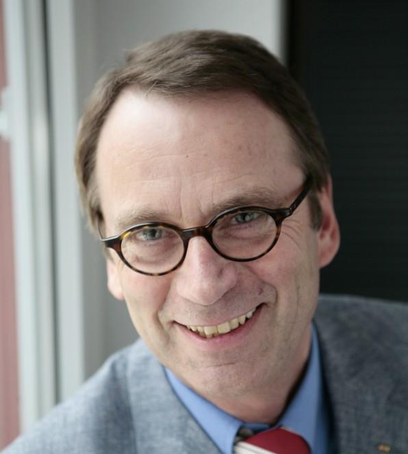 Udo Lächelt hier, ärgert sich aber über die schlechte IT-Ausstattung der Schulen: Udo Beckmann, Vorsitzender des VBE. (Foto: VBE), Vorsitzender des VBE