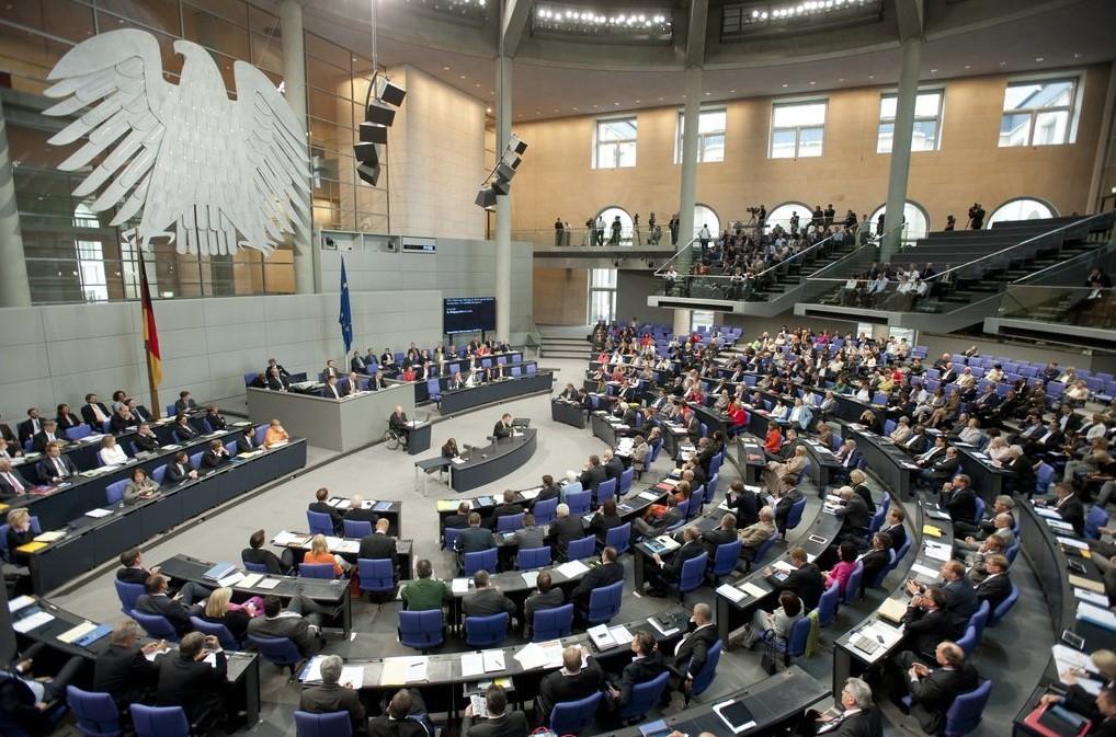 Am Donnerstag soll der Bundestag über den Antrag von SPD und Union abstimmen. (Foto: Deutscher Bundestag/Marc-Steffen Unger)