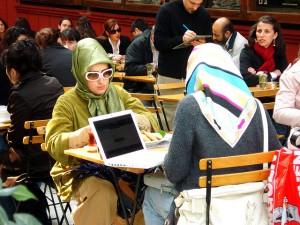 Türkischstämmige Bürger denken über Bildung nicht viel anders als deutschstämmige.  Foto: chrisschuepp / Flickr (CC BY 2.0)
