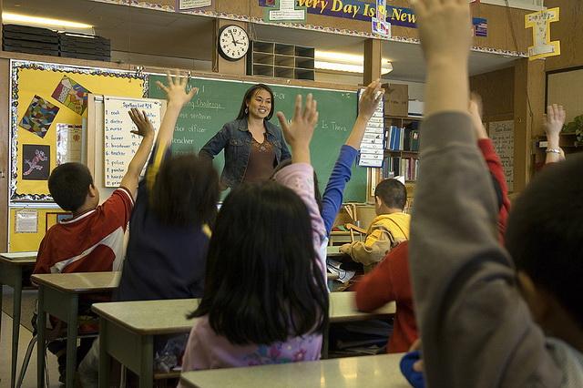 Das Gespräch mit der Klasse sollte verändert werden, sagen die Forscher. (Foto: audio-luci-store.it/Flickr CC BY 2.0)