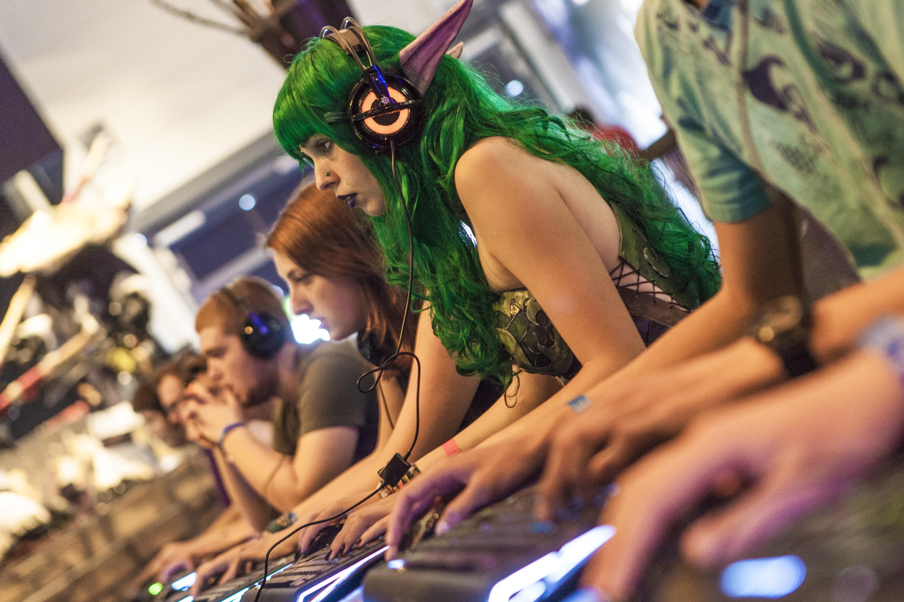 Ners und Freaks trifft man auf einer der weltgrößten Veranstaltungen der branche. (Foto: Kölnmesse)