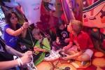Videospiele sind für Grundschüler nicht automatisch schädlich, so Steve Nebel. Hier testen einige jüngere Kinder neue Trends auf der gamescom 2013. Foto: Koelnmesse