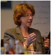 Foto: Brockhaus-Redaktionsleiterin  Ulrike Hönsch