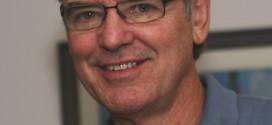 Forscher John Hattie ist Ehrendoktor an Augsburger Universität