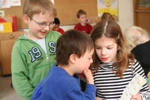 """In Grundschulen wird noch am häufigsten gemeinsam unterrichtet. Foto: BAG """"Gemeinsam leben – gemeinsam lernen"""""""