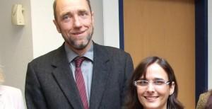 Naturwissenschafts-Lehrer des Jahres: Friedrich Lütke Twenhöven aus Husum und Dahlia Fischer aus Ladenburg wurden ausgezeichnet. Foto: Universität Oldenburg