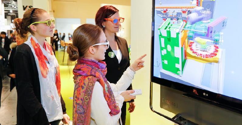 Das digitale Klassenzimmer gibt's häufig nur auf Bildungsmessen wie hier der didacta zu bestaunen. Foto: Koelnmesse Bilddatenbank