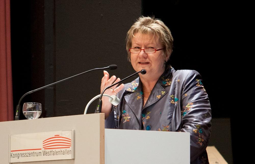 Würdigte die Arbeit von Schulleitungen: NRW Schulministerin Sylvia Löhrmann (Grüne). Foto: Alex Büttner