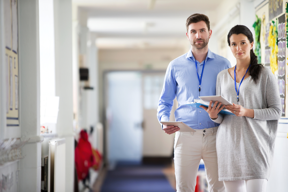 Grundschullehrer werden in Deutschland schlechter bezahlt als Sek-II-Lehrer. Foto: Shutterstock