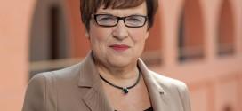 KMK-Präsidentin Kurth mahnt Lehrer zur Fortbildung – auch in den Ferien
