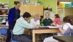 Die Kooperation der beteiligten Lehrer ist eine wesentliche Grundlage damit der Unterricht im Team seine besonderen Wirkungen entfalten kann. Foto: U.S. Department of Education / flickr (CC BY 2.0)