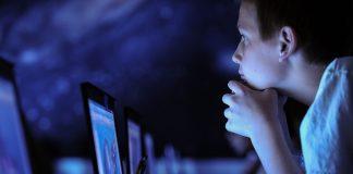 Die Digitalisierung der Schulen in Deutschland kommt jetzt mit Hochdruck. Foto: r. nial bradshaw / flickr (CC BY 2.0)