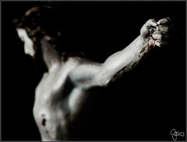 Hat die Katholische Kirche ein Interesse an einer unabhängigen Untersuchung zum Thema Missbrauch im Schatten des Kreuzes? Foto: strobetec / Flickr (CC BY-ND 2.0)