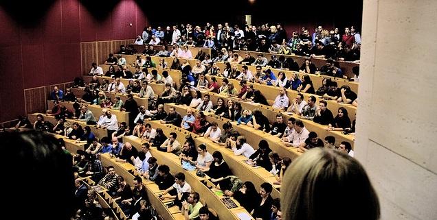 Professoren: Junge Studenten haben Probleme mit Rechtschreibung; Foto: this.is.seba / Flickr (CC BY-SA 2.0)