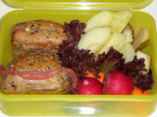 Ein gesundes Frühstück macht Schüler leistungsfähig. Foto: seelensturm / Flickr (CC BY 2.0)