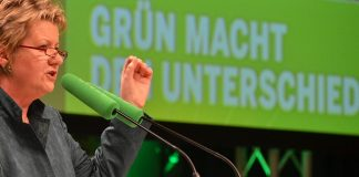 Unter Druck: NRW-Schulministerin Sylvia Löhrmann. Foto: Grüne NRW / Flickr (CC BY-SA 2.0)