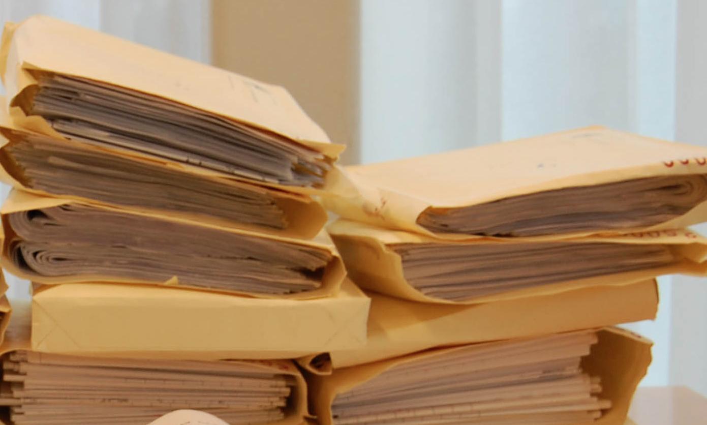 Foto: Über 200.000 Klausuren müssen ein dreistufiges Verfahren durchlaufen, bevor die Note festgelegt wird. Foto: Fabio Bruna / flickr (CC BY-SA 2.0)