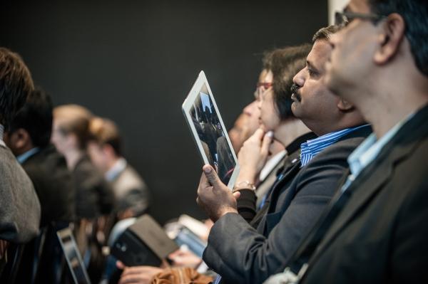 Verlagsvertreter aus aller Welt auf der Frankfurter Buchmesse. Foto: Frankfurter Buchmesse / Hartung