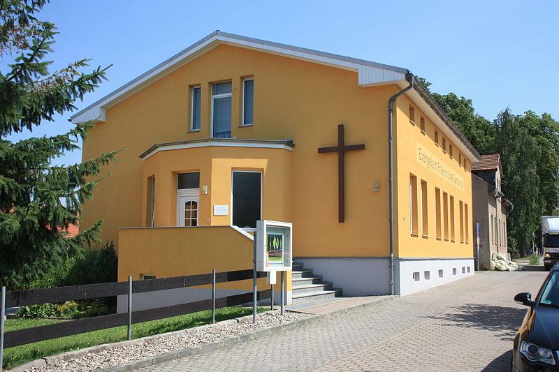 Gemeindehaus der Babtisten in Sangerhausen, Sachsen-Anhalt, Foto: pomfuttge / Wikipedia commons (CC BY-SA 3.0)