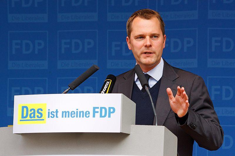 """Das Risiko von Impfschäden sei """"weit geringer als die Gefahren durch eine Erkrankung"""": Bundesgesundheitsminister Daniel Bahr (FDP): Foto: Dirk Vorderstraße / Wikimedia Commons (CC BY 3.0)"""