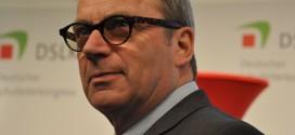 Gewohnt pointiert: VBE-Vorsitzender Udo Beckmann (unlängst auf dem Deutschen Schulleiterkongress). Foto: Susanne Schnabel