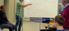 Im Schnitt seien die Auszubildenden mit der Berufsschule weit weniger zufrieden als mit der Ausbildung im Betrieb. An den Lehrern liege das allerdings nicht, so der DGB. Foto: ME-Arbeitgeber / flickr (CC BY 2.0)